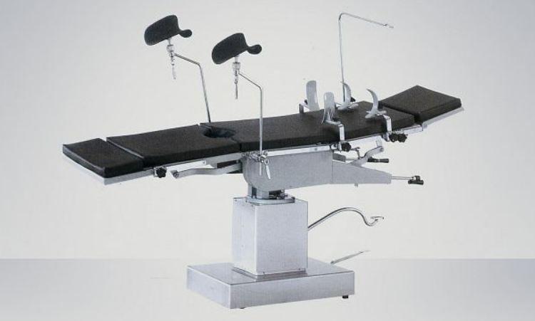 Tables d'opérations orthopédiques